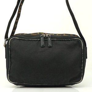 Auth Fendi Shoulder Bag Logo Black Nylon #3981F81